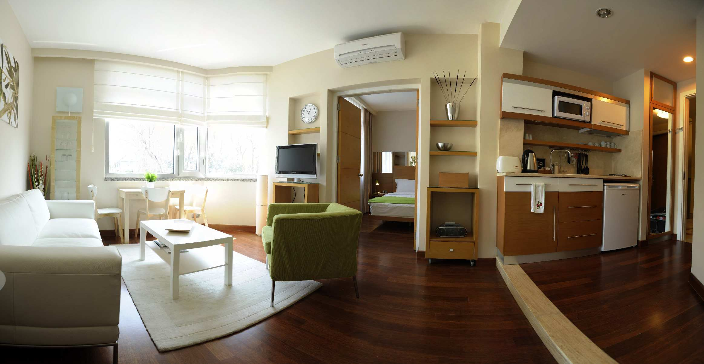 Rooms: Connecting Family Suites